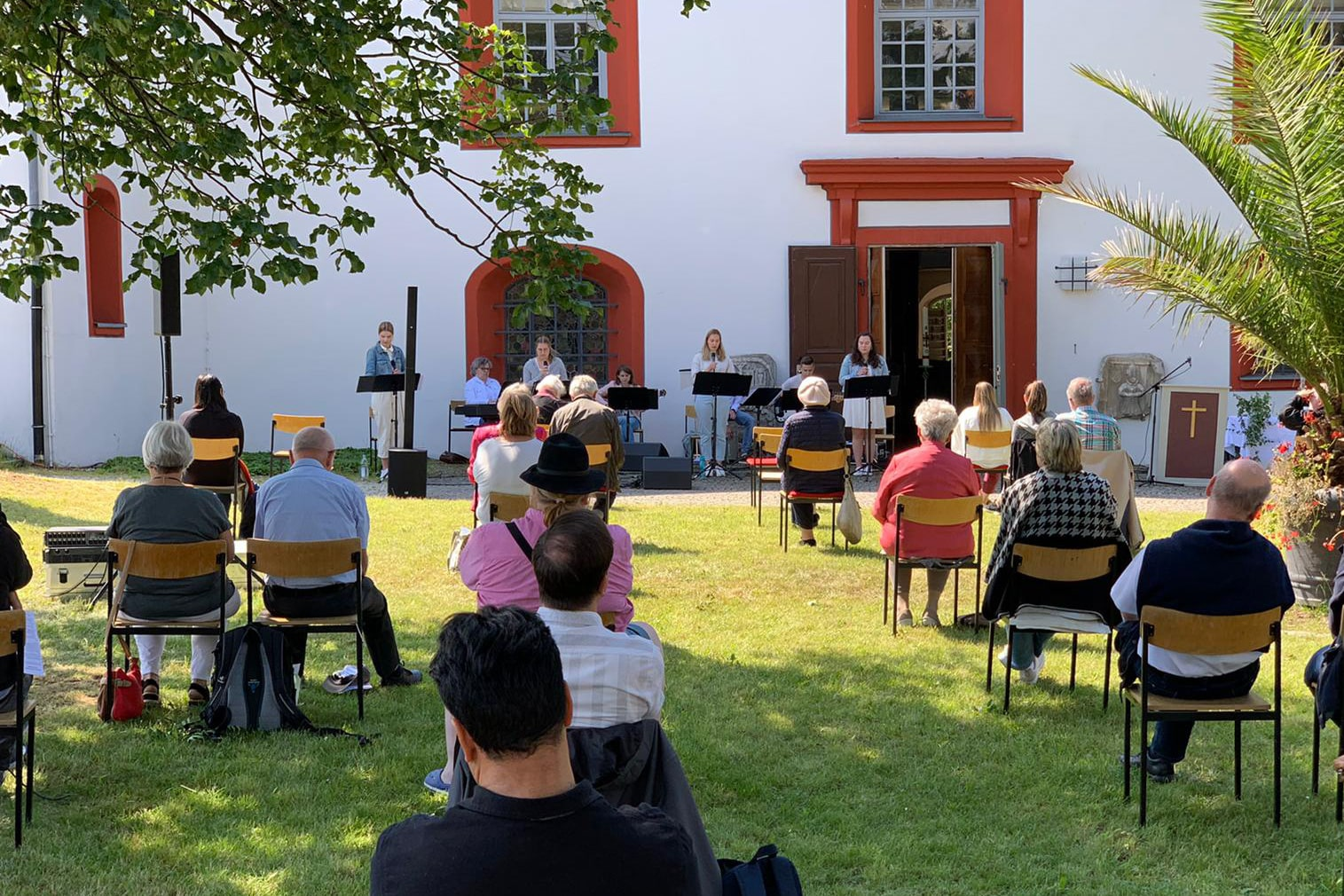 Hier geht es zu einer Diashow, bei der Bilder vom 'GIFF Gottesdienst in Oberkotzau' gezeigt werden.
